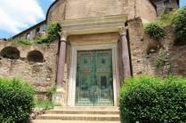 forum door